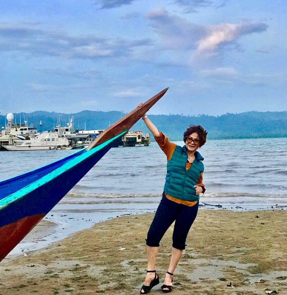 Pantai Ecing: Cantiknya Wisata Bahari Daerah Perbatasan – Web